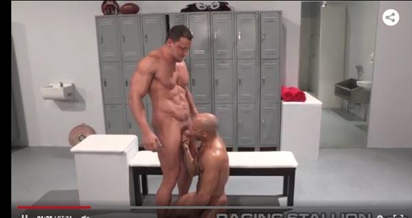 Gays Sarados fazem sexo no vestiário