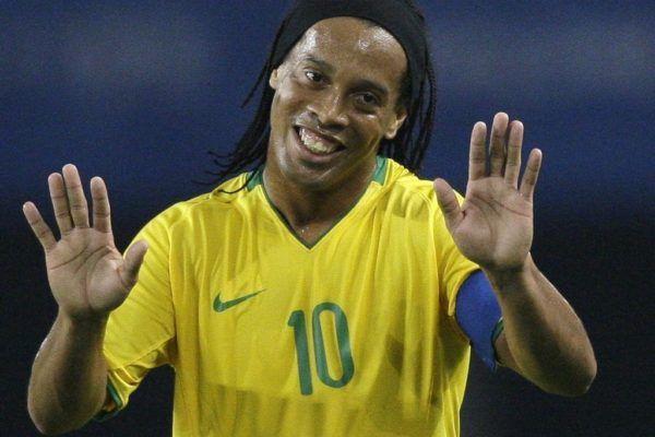O Famoso Ronaldinho batendo punheta