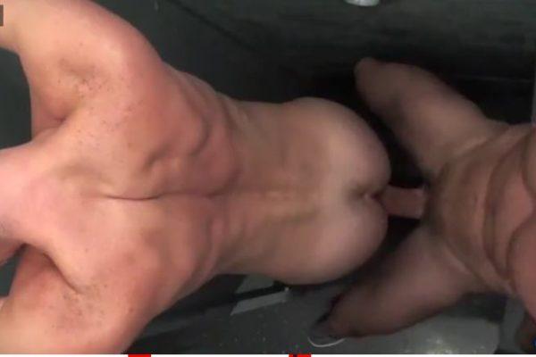 Sexo gay com Rocco fudendo cu do passivo