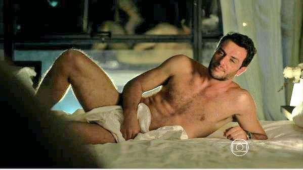 Bunda do ator famoso Rodrigo Lombardi em vídeo