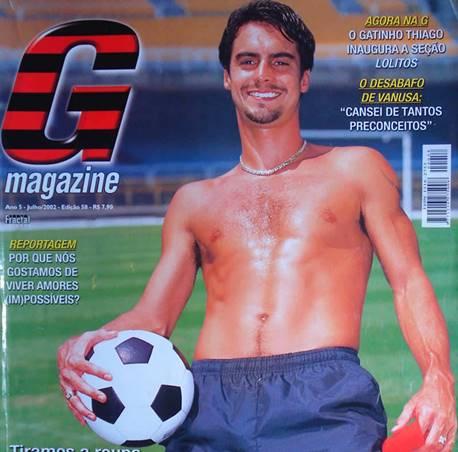 Ensaio do ex-jogador de futebol Bruno Carvalho para a revista gay G Magazine
