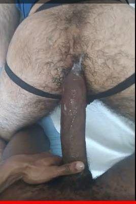 Pauzão de 30 centímetros no cu do rabudo