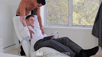 Empresários gays relaxando com uma foda