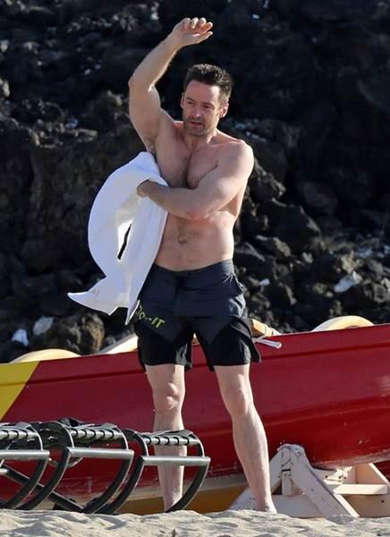 Fotos do Wolverine pelado na praia vaza no famosos pelados