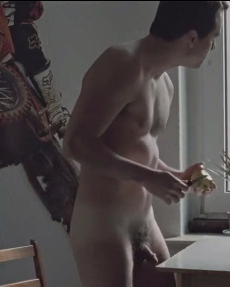 Wagner Moura pelado no filme - famosos pelados