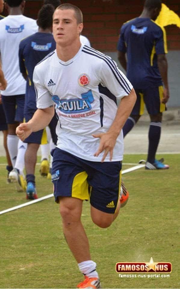 Jogador Colombiano pelado – Jogadores pelados