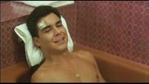 André Gonçalves pelado em filme