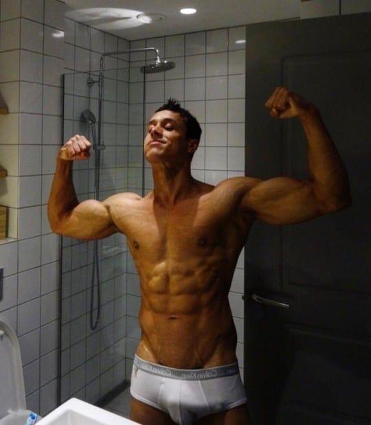 Fotos gay com homens pelados e dotados