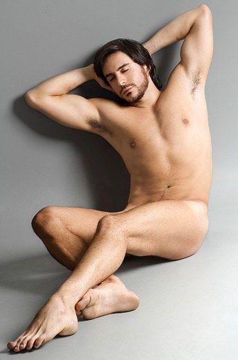 famosos-nus-Ricardo-Tozzi-pelado-e-bem-sarado