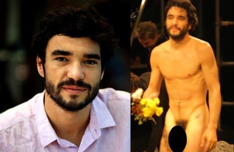 Caio Blat pelado na peça Teatral – Famosos nus