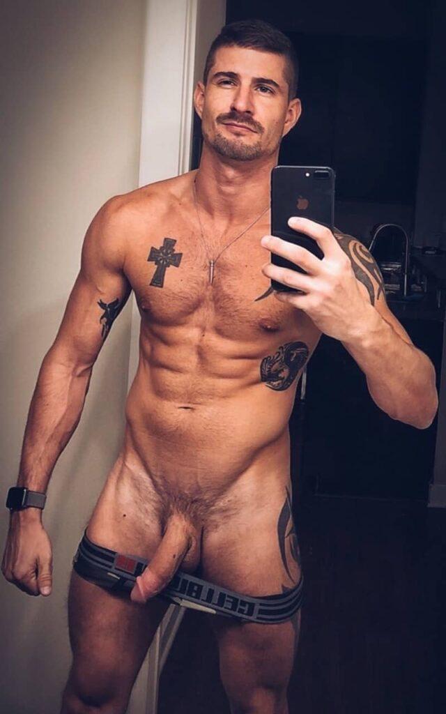 fotos-de-homens-nus-e-pelados