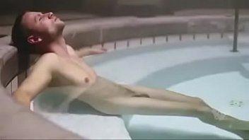 Melhor cena Sense8 com o macho pelado - Famosos
