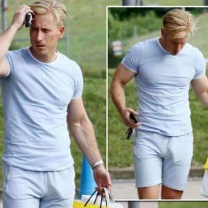 Modelo Kris Boyson sem cueca - Homens nu
