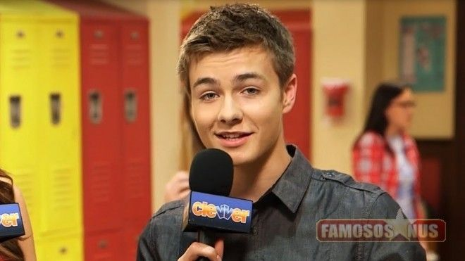 Peyton Meyer Ator da Disney Channel - Famosos nu