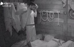 Diego Grossi acordando de pau duro nos Reality Show