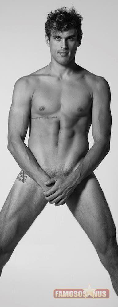 felipe-roque-posta-nudes-famoso