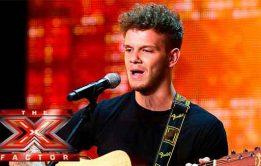X Factor UK Nude – Ellis Lacy pelado