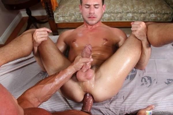 homens-sarados-pelado