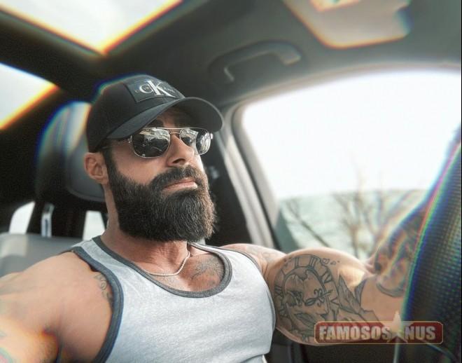 hipster-do-instagram-no carro