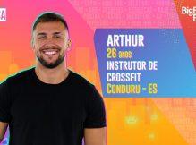 Arthur Lavando a Piroca no BBB21