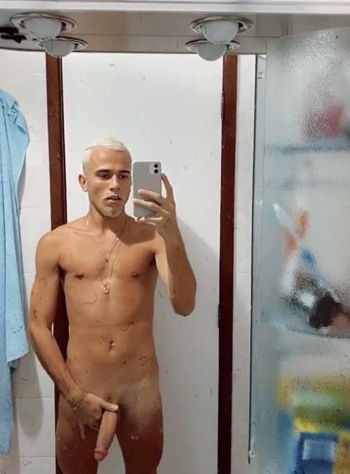 novinho-em-nudes-gay-dos-famosos