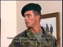 Soldado gay fazendo putaria com machos safados