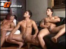 Gays da g ficam punhetando e mostrando a vara gostosa