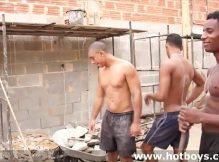 Gays operários safados fazendo uma suruba gostosa