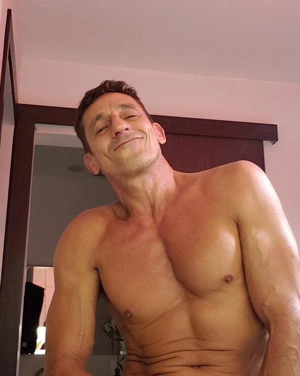 foto-sensual-do-ator-tuca-andrada-pelado-famosos-nus-1